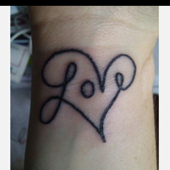 love this, i'll add it to the list of tattoos i want... -    Discovered this one while checking out Easter presents. Via grond91
