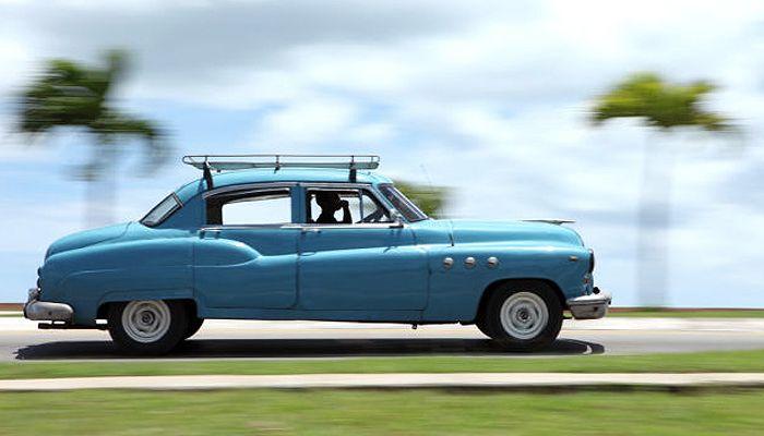 Fotografo viaja para Cuba e registra imagens impressionantes de carros clássicos nas ruas da ilha comunista  continue lendo em 25 fotos recentes de carros cubanos que parecem congeladas no tempo