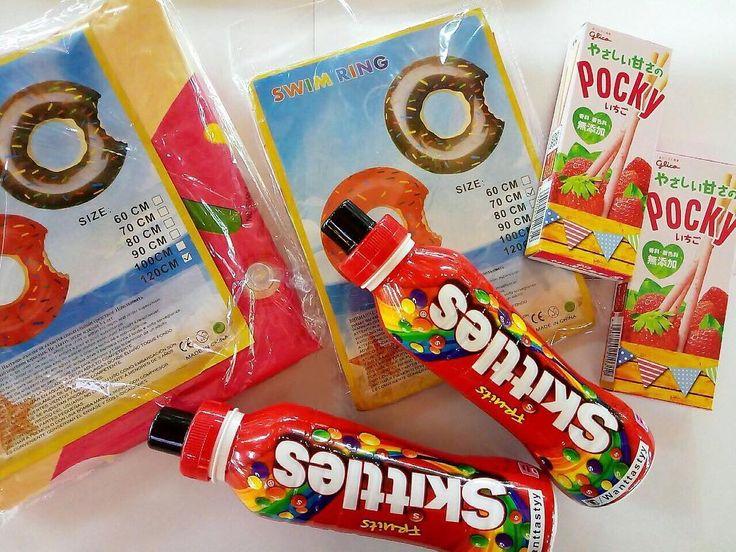 Круг пончик взрослый и детский  990 и 349 Напиток Skittles 299 Палочки Pocky клубника 179 #магазинкрутыхштук #wanttastyy #пончик #надувнойпончик #надувнойананас #вкусняшки