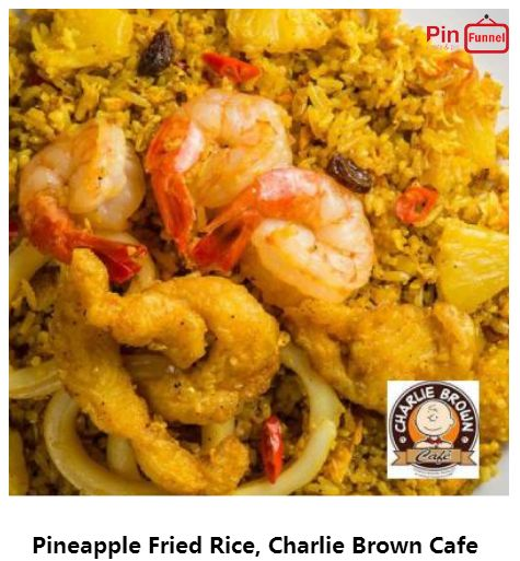 Best pineapple fried rice specials deal 2018 at Charlie Brown Cafe, Orchard Road,   Singapore, the best comics themed cafe at Cathay Cineleisure Orchard. It is   Singapore MUIS Halal certified restaurant and cafe.