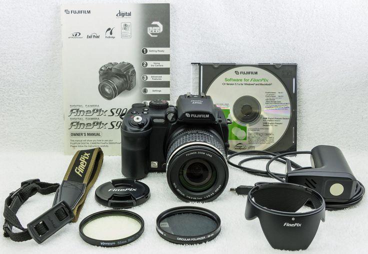 Fuji FinePix S9000 9.2 MP Digital Camera w/extra accessories in Exellent Cond.