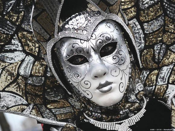 11-portraits-in-disguise-carnival-of-venice-in-creative-mask-designs-70