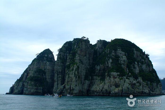 Geoje Haegeumgang Island (거제도 해금강)