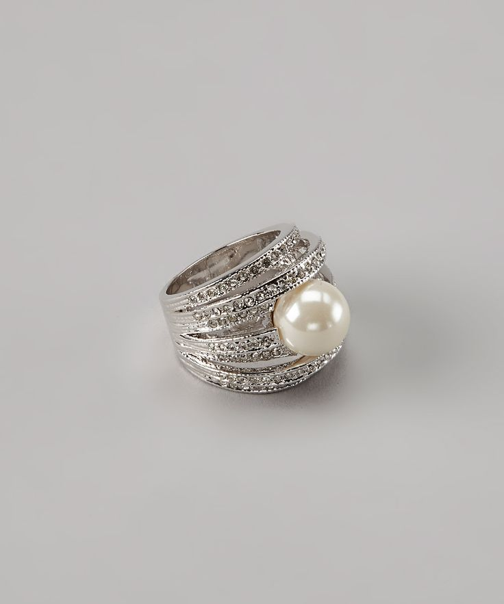 Sparkling Pearl Ring.