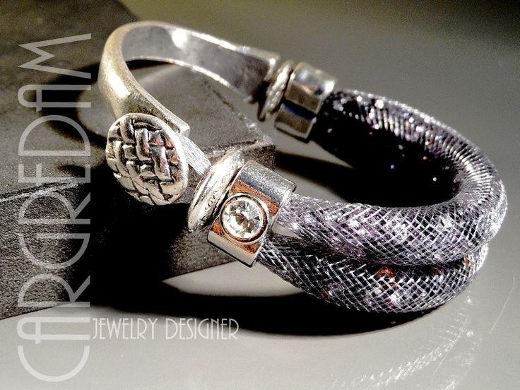 Bracelet de résille tubulaire femme fermoir demi-jonc double rang cristaux anthracite : Bracelet par shamballa-s-cargredam1