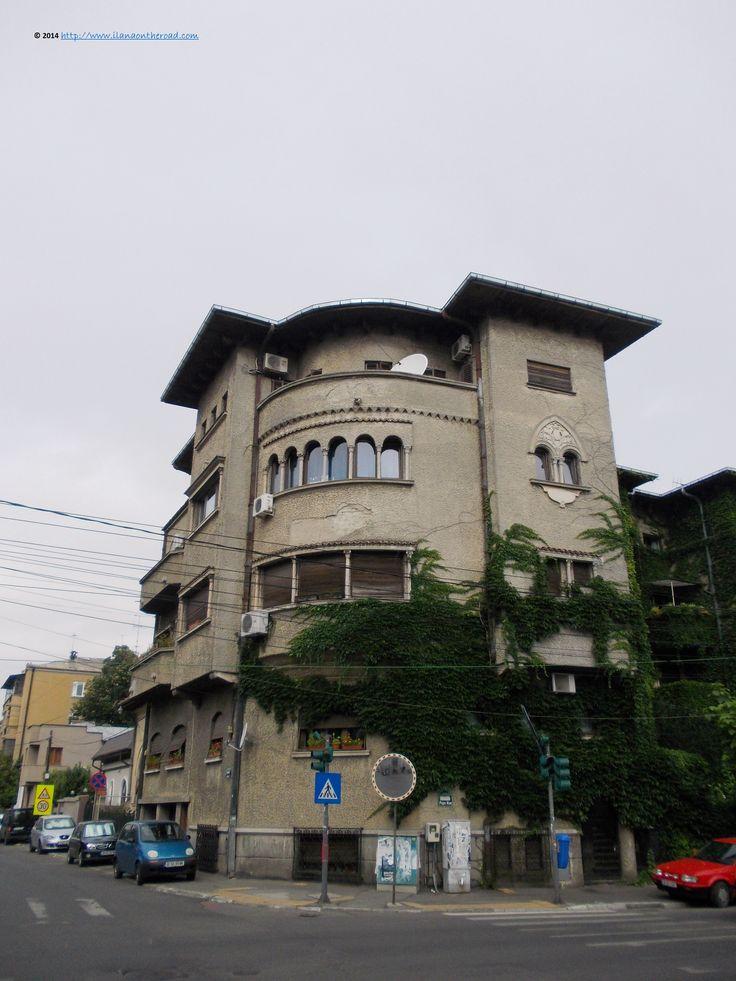 Houses on Popa Nan street