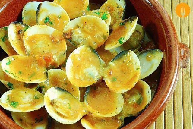 Almejas a la marinera fáciles. Receta y Vídeo | Recetas de Cocina Casera - Recetas fáciles y sencillas
