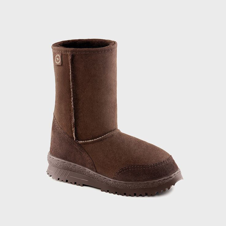 Proper Australian Ugg Boots for winter, Made in Australia not China like those US ripoffs who took an Australian legend and destroyed it with a trademark.  Bondi 3/4 Boots