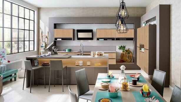 Cuisine îlot sur-mesure moderne et bois ambiance loft