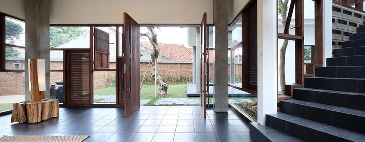 Entrance, Distort House, Jakarta by TWS & Partners