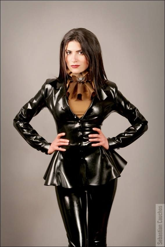 Pin Von Latex Lover Auf Latex And Vinyl Outfits Latex