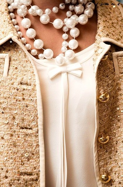 Layered Pearls Necklace pearls & Chanel
