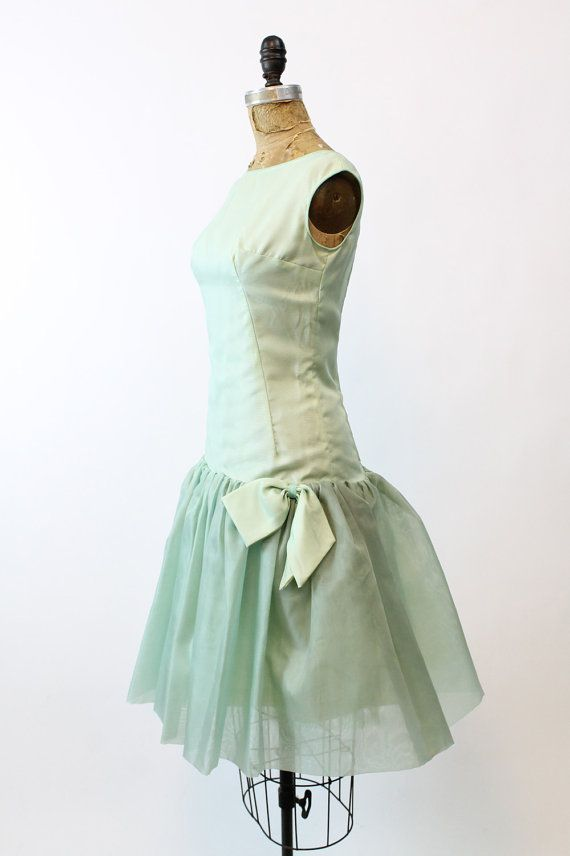 https://www.etsy.com/es/listing/485649420/anos-60-vestido-organza-pequenos-decada?ga_search_query=mint