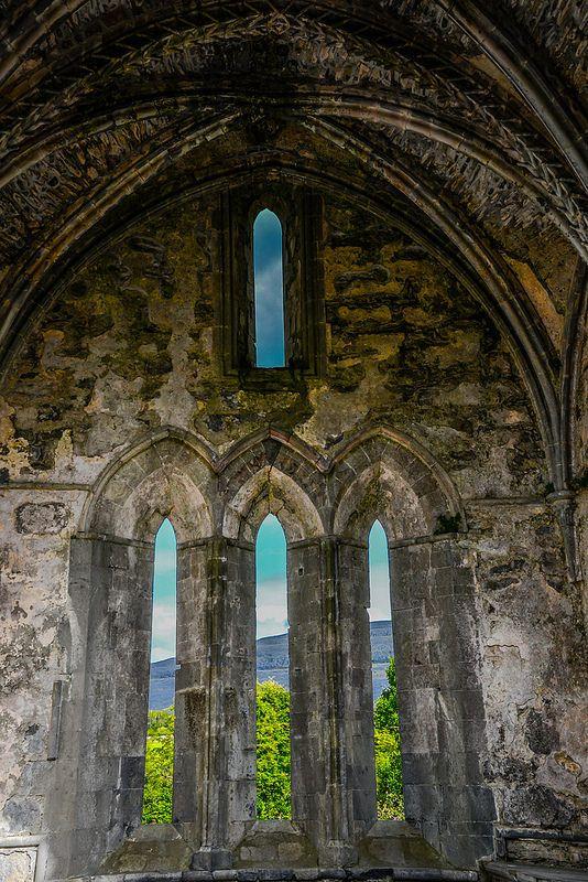 ˚Corcomroe Abbey Ruins - County Clare Ireland