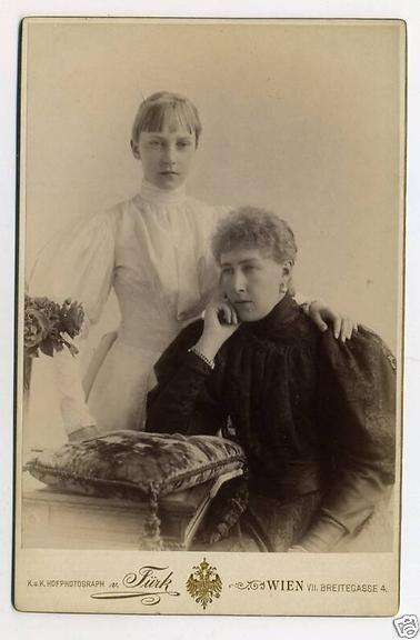 l'archiduchesse Elisabeth, née le 2 septembre 1883 au château de Laxenbourg surnommée « Erzsi »
