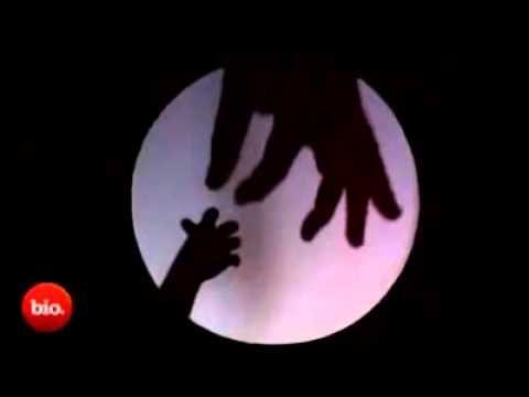 ▶ Griezelen in het donker / Schaduwen met de handAmazing Hand Shadow Performance - YouTube