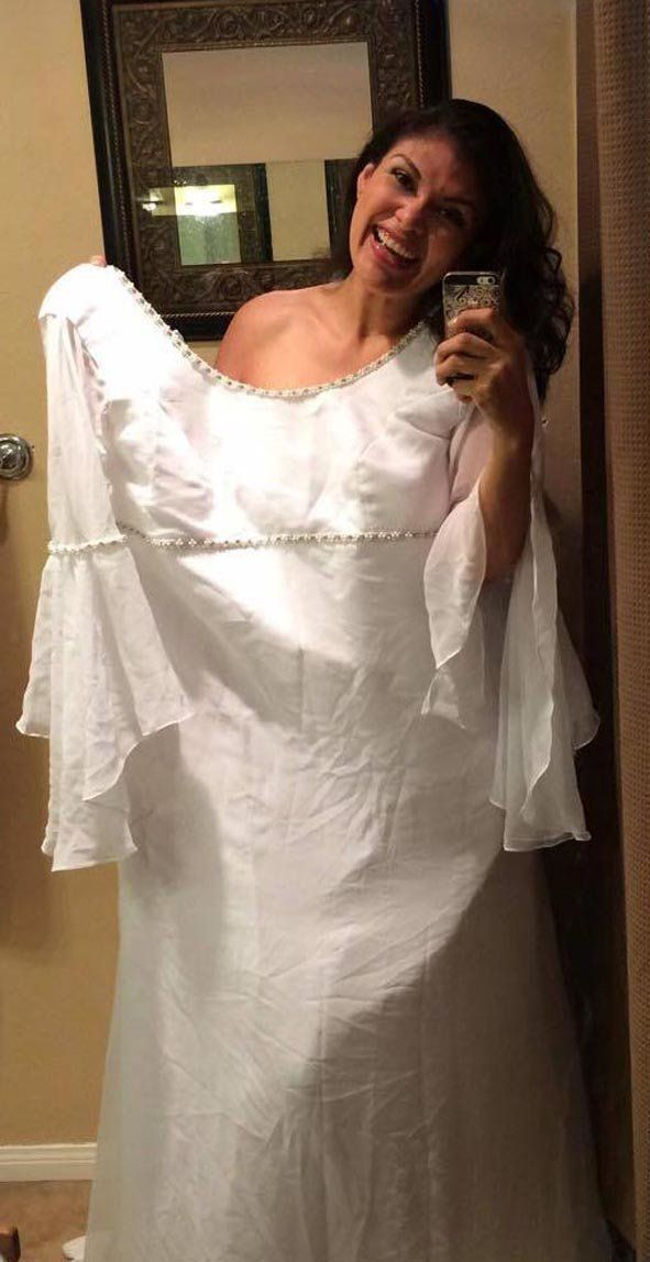 Woman Snaps Wedding Dress Selfie To Show Off 11 Stone Weight Loss