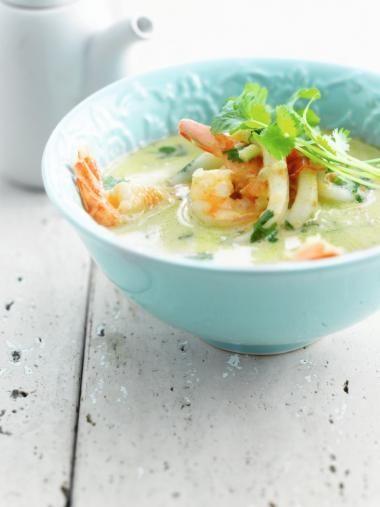 Wok van zeevruchten met groene curry - Njam tv !