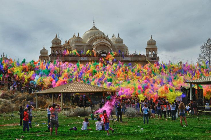 Festival of Colors at Sri Sri Radha Krishna Temple | Totally want to do this one day! :D