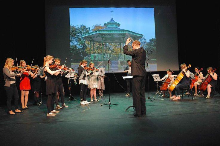 Orkesteret ( - Mimmi) Fra sommerfesten til Molde kulturskole. 2015 (Foto: Hugo Tingvoll)