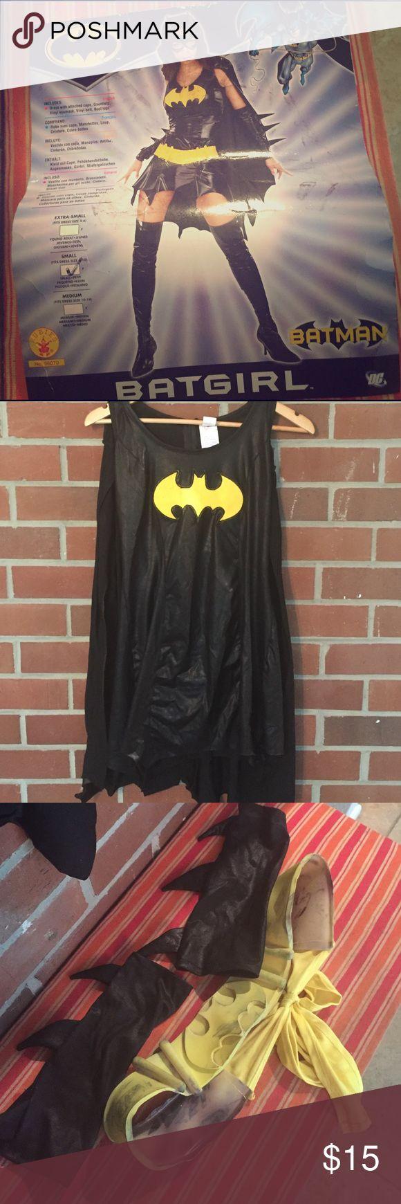Batgirl costume Sz sm Sexy batgirl costume! Includes dress, gauntlets, belt. Sz sm Batman Other