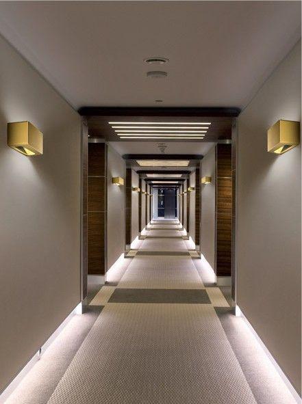 Note Wall Light Up & Down Illumination
