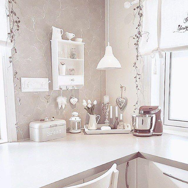 Godmorgen 💛💛#kitchen #ourluxuryhome #interior12follow #interior4all #shabby_chichomes #shabbychic #shabbyyhomes #delvakkerthjem #hellinterior1 #interior #interiør #inspirasjon #interior125 #passion4interior #dekor #decoração #kjøkkeninspirasjon #kjøkken #vintage #vakrehjemoginterior #lovely #mynorwegianhome #homes_norway #bergliotshjem #prinsessepedersen #kristinestien #hem_inspiration #kjøkken #kjøkkeninspirasjon #kitchendesign #interiorwarrior #kjøkkeninspirasjon #lovelyhome