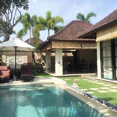 Arrived to our next Bali spot: Bli Bli Villas in Seminyak 💚 ready for more pampering! Full Villa tour on snapchat:exploringberry👻