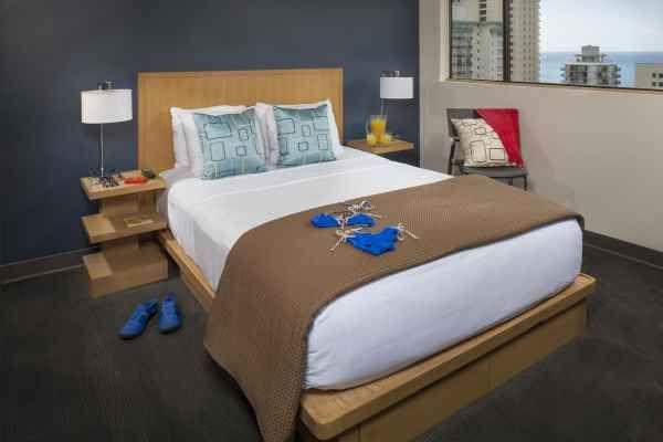 Best honeymoon resorts | cheap vacation | Vive Hotel Waikiki