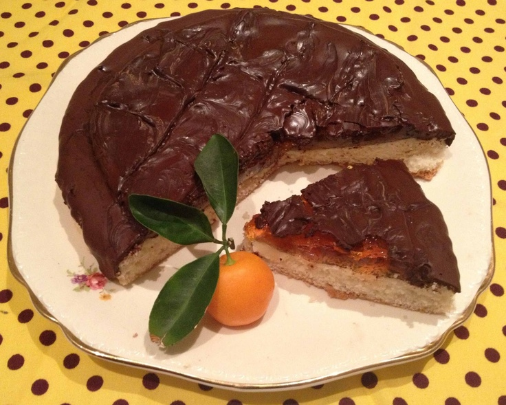 Domestic Sluttery: Sluttishly Sweet: Giant Boozy Jaffa Cake - could veganise - need orange jelly