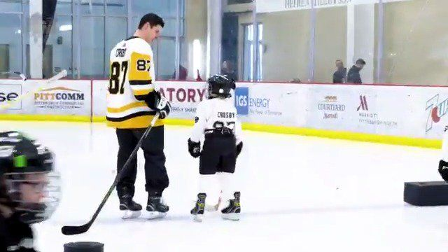 Little Pens Video Too Cute Pittsburgh Penguins Nhl Players Penguins