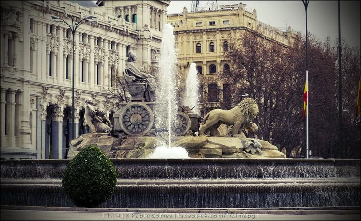 Fonte de Cibeles / Fuente de Cibeles / Fountain of Cibeles [2014 - Madrid - Espanha / España / Spain] #fotografia #fotografias #photography #foto #fotos #photo #photos #local #locais #locals #cidade #cidades #ciudad #ciudades #city #cities #europa #europe #turismo #tourism #escultura #sculpture