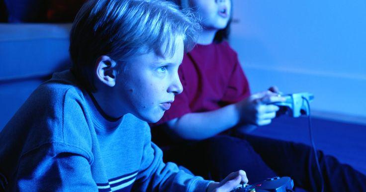 """Hacks do PS2 Slim. Hackear o Playstation 2 Slim permite que você faça várias coisas que normalmente você não poderia fazer com o console. Hackear o seu PS2 pode ser divertido e recompensador, porém isso também pode danificá-lo se você não tomar cuidado com os passos. Alguns mods (modificadores) requerem o uso de um """"modchip"""", um chip especial que você deve comprar e ..."""