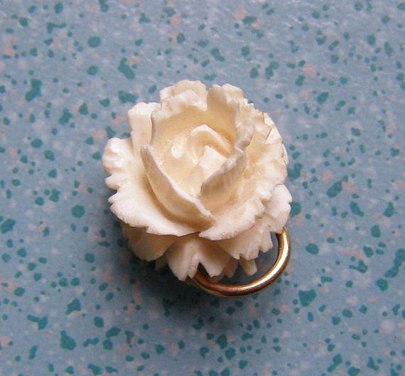 pendentif ancien/sculpture en forme de rose/Attache en