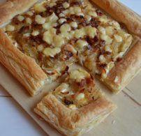 hagyma, lepény, leveles tészta, sajt, vöröshagyma