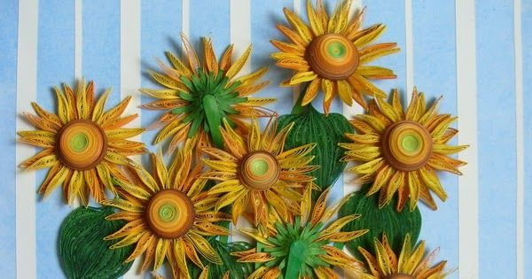 """Dieses Bild habe ich aus Papierstreifen (5 mm.) und Tonpapier gemacht. Inspiriert wurde ich durch Van Goghs """"Sonnenblumen"""" 55 X 41 cm."""