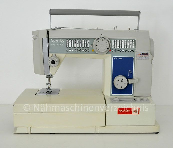 Veritas Famula electronic 4891, (16 Programme), Freiarm-Nähmaschine mit Klapptisch und Einbaumotor, Hersteller: Textima VEB Nähmaschinenwerk Wittenberge (Bilder: Nähmaschinenverzeichnis)