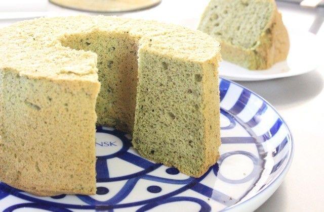 米粉、抹茶、豆乳と和の素材を使った和風シフォンケーキです。小さなお子さんでもお手伝いしやすいので、ぜひ一緒に作ってみて下さいね。