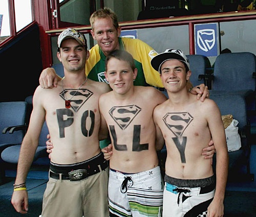 Shaun Pollock joins some fans at Centurion.