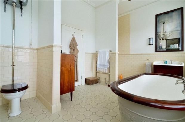 40 best images about barrowgate road on pinterest for Best bathrooms on the road