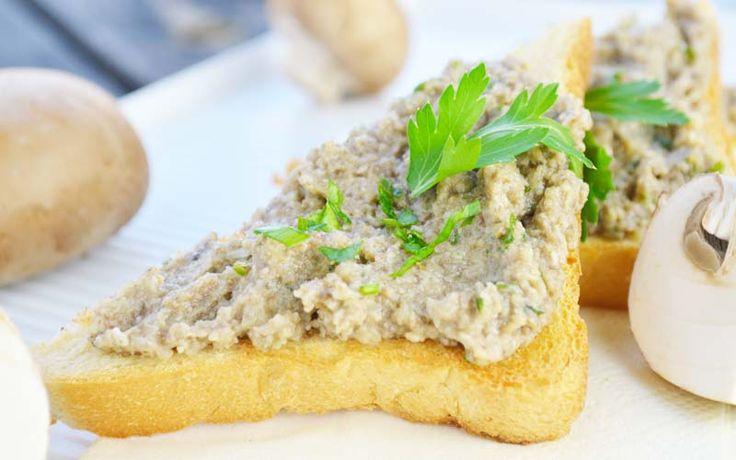 Das Champignons-Aufstrich auf Toast #Rezept ist ein kulinarisches Vergnügen mit nur wenigen Handgriffen.