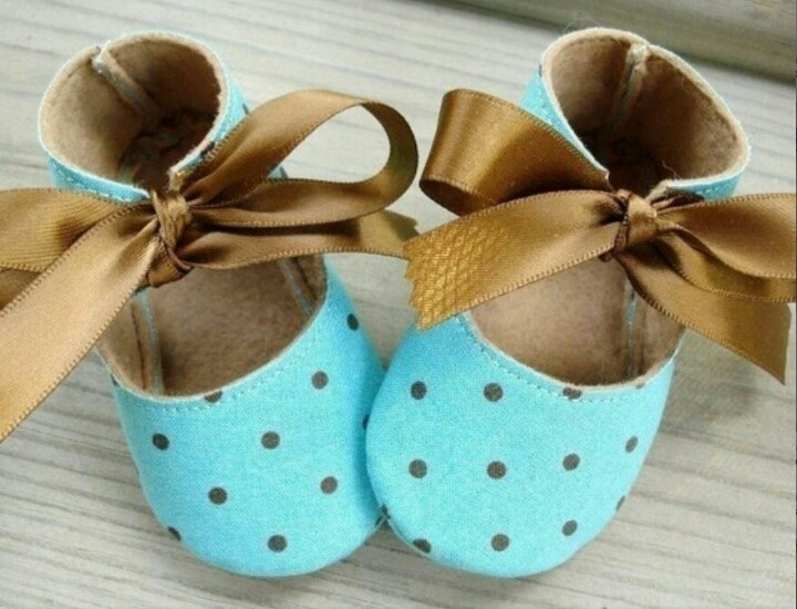 Pin Sophie Tty Dots Turquoise