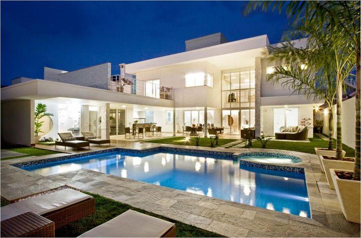 Salvador BAHIA CASA DE PISO PARA CASA | Casa moderna com piscina, o uso do branco, uma cor característica da ...