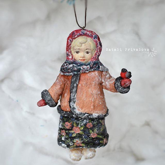 Ватная девочка со снегирем. Рост 13 см. #новыйгод #ретро #ретроигрушки #ватнаяигрушка #игрушкиизваты #клейстер #натальяпривалова #handmade  #doll