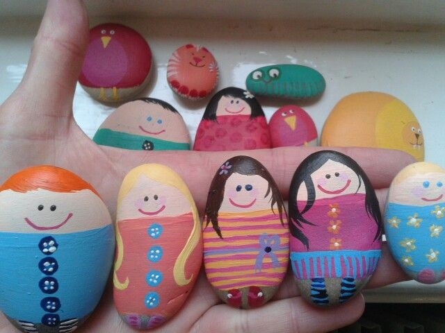 Story stones Make family specific stones... Mom, Dad, kids, cat, dog etc