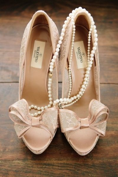 Gorgeous wedding shoes. Nude peep toes with little bows. Just too cute!