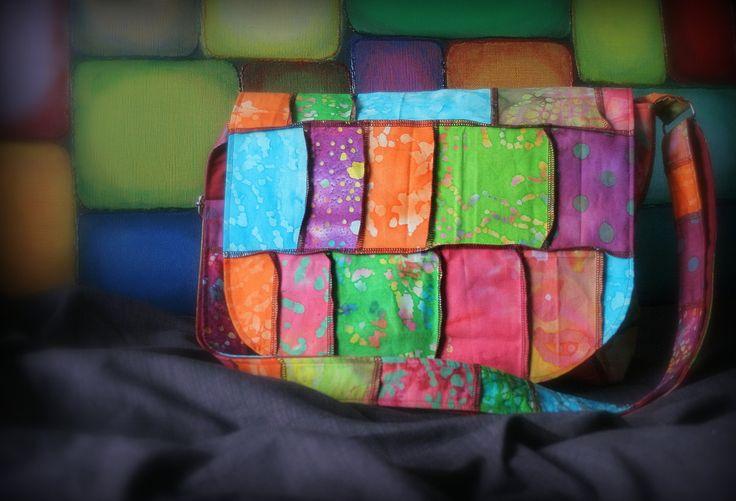 Sac messager multicolore Sac à bandoulière coloré Sacoche bohème Sac d'épaule hippie de la boutique Mafelou sur Etsy