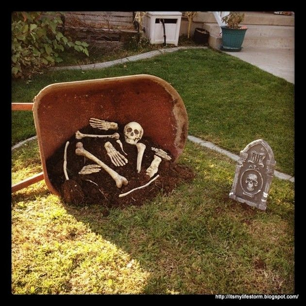 I'm sure your wheel barrow is just sitting in the shed doing nothing. Put it to use! Halloween Decor (20 Pics)