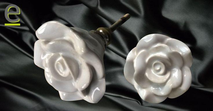 Pomelli a forma di rosa, diametro 5 cm.. vuoi saperne di più? http://easy-online.it/it/shop/pomelli/pomelli-forma-di-fiore-fck-41/