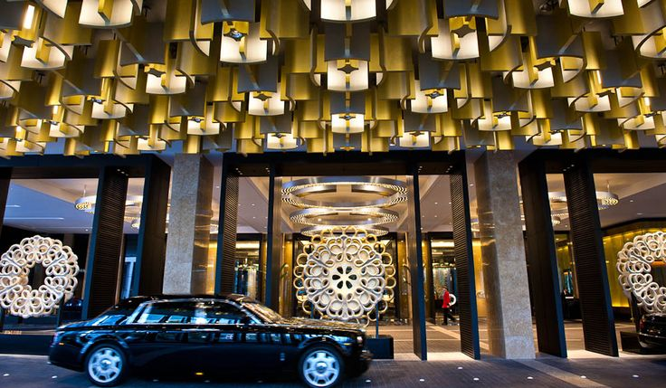 Photo 11 The valet parking area at the front of Crown Towers